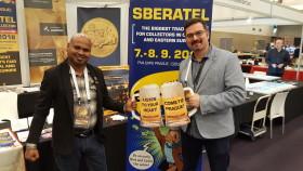 O vystavování v Praze byl velký zájem, takže v září se můžete těšit na nové vystavovatele. Například Lakmal ze Sri Lanky přiveze mince a bankovky.