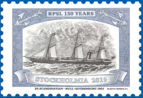"""Jedna z poštovních známek vydaná Švédskou poštou k výstavě zobrazuje britský parník """"Scandinavian"""", který začal v roce 1852 přepravovat poštovní zásilky mezi britským Hullem a švédským Gothenburgem."""